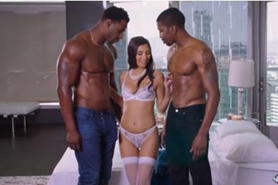 Ingyen pornóvideók - creampie szex